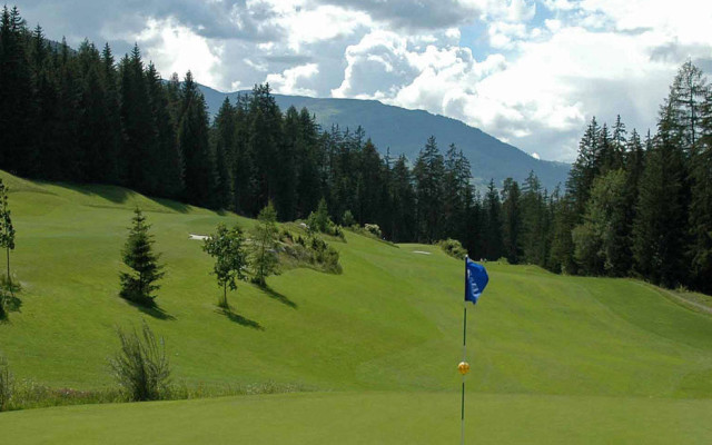 Image of Golf in the Mountain spring